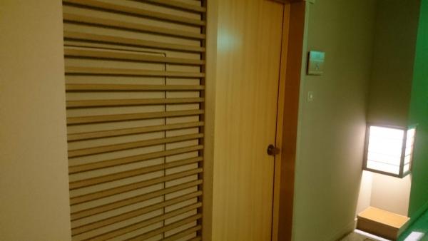 部屋入口.jpg
