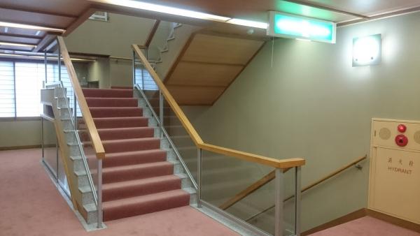本館階段.jpg